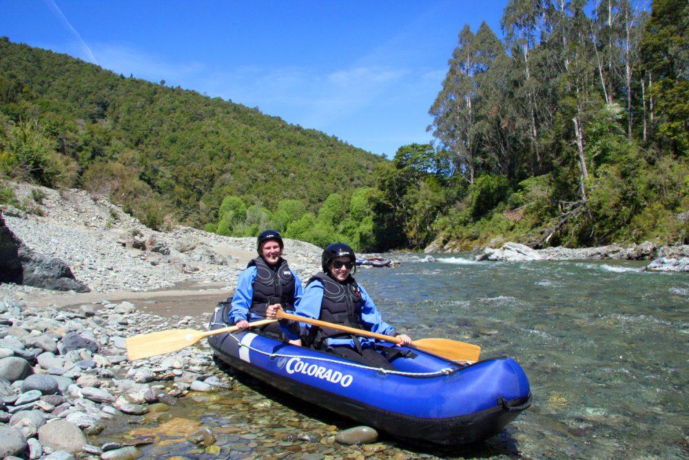 Friends Kayaking New Zealand
