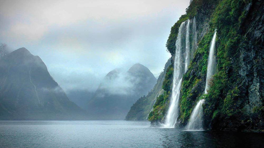LOTR & The Hobbit Filming Location in Fiordland