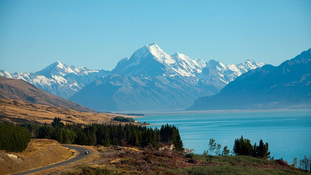 LoTR The Hobbit Tours New Zealand Lake Pukaki Aoraki Mount Cook