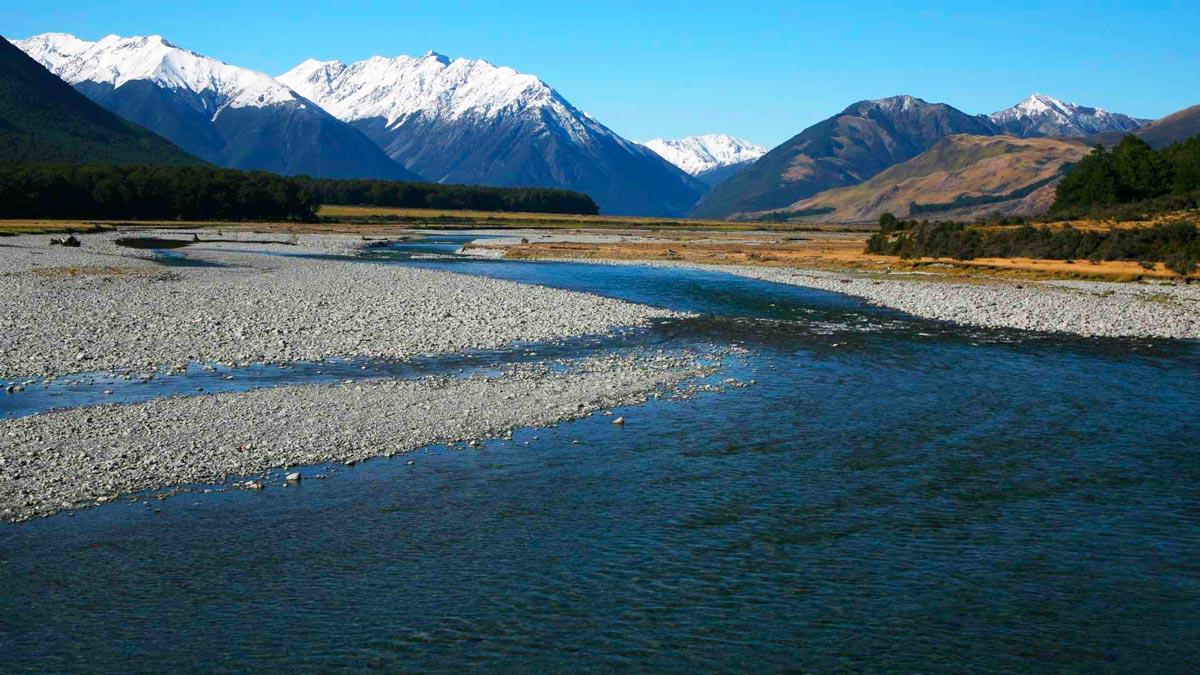 Hidden Kayaking Gems New Zealand Lake Sumner