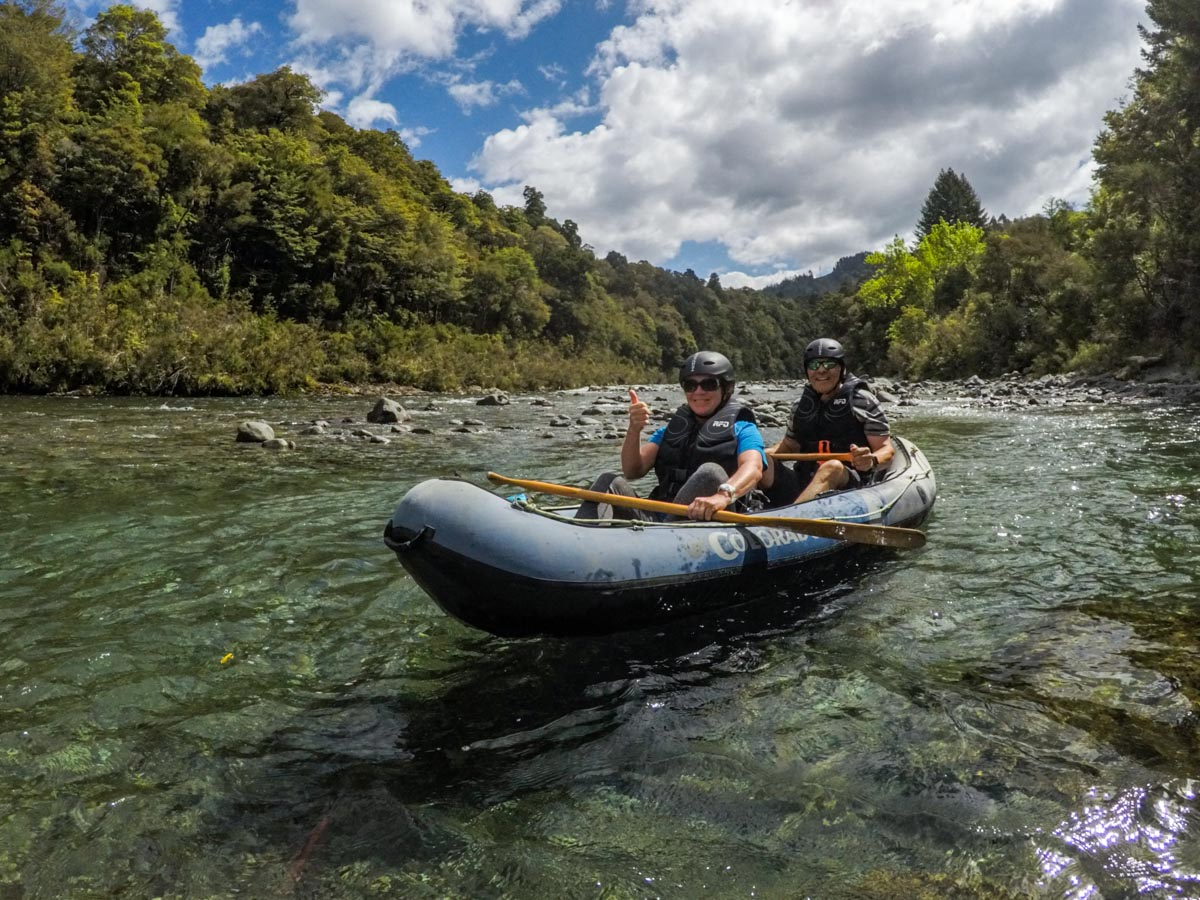 Friends experiencing our New Zealand Kayak Tour