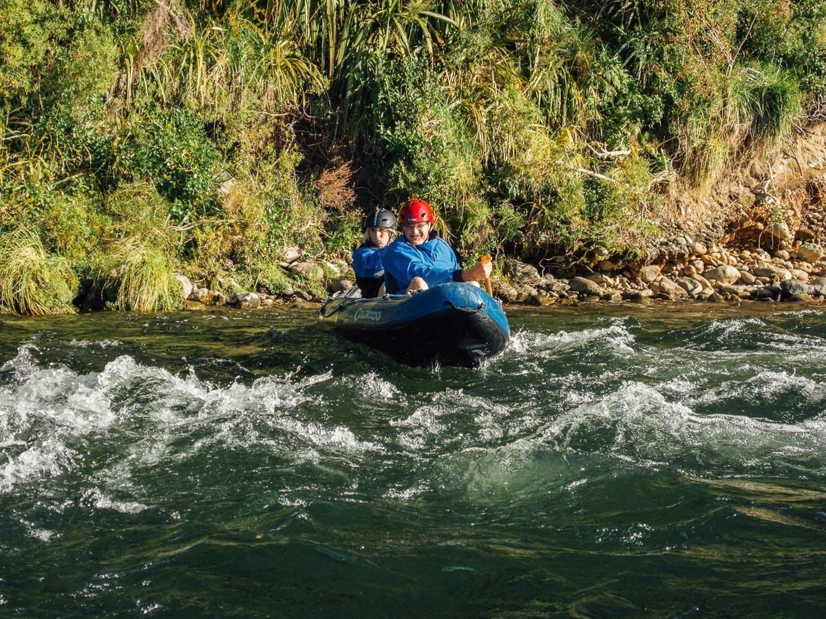Couple kayaking the Pelorus river, Havelock