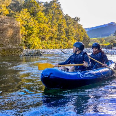 Kayaking the Pelorus river, Havelock