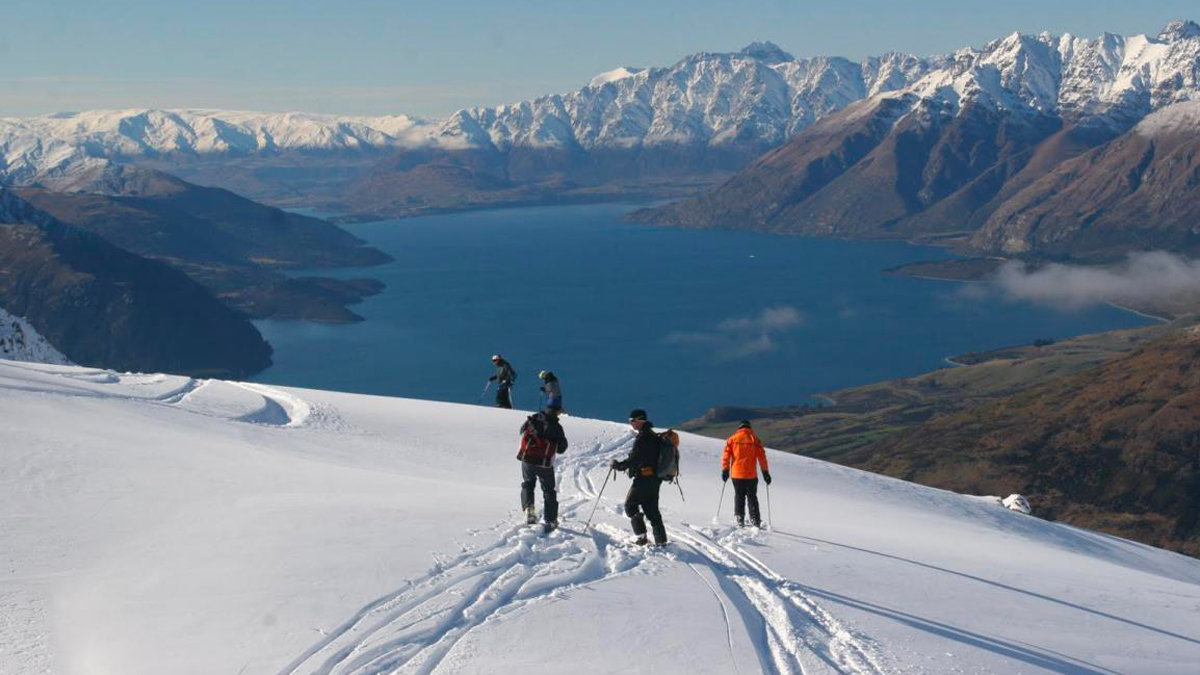 Things to do in New Zealand in Winter Skying