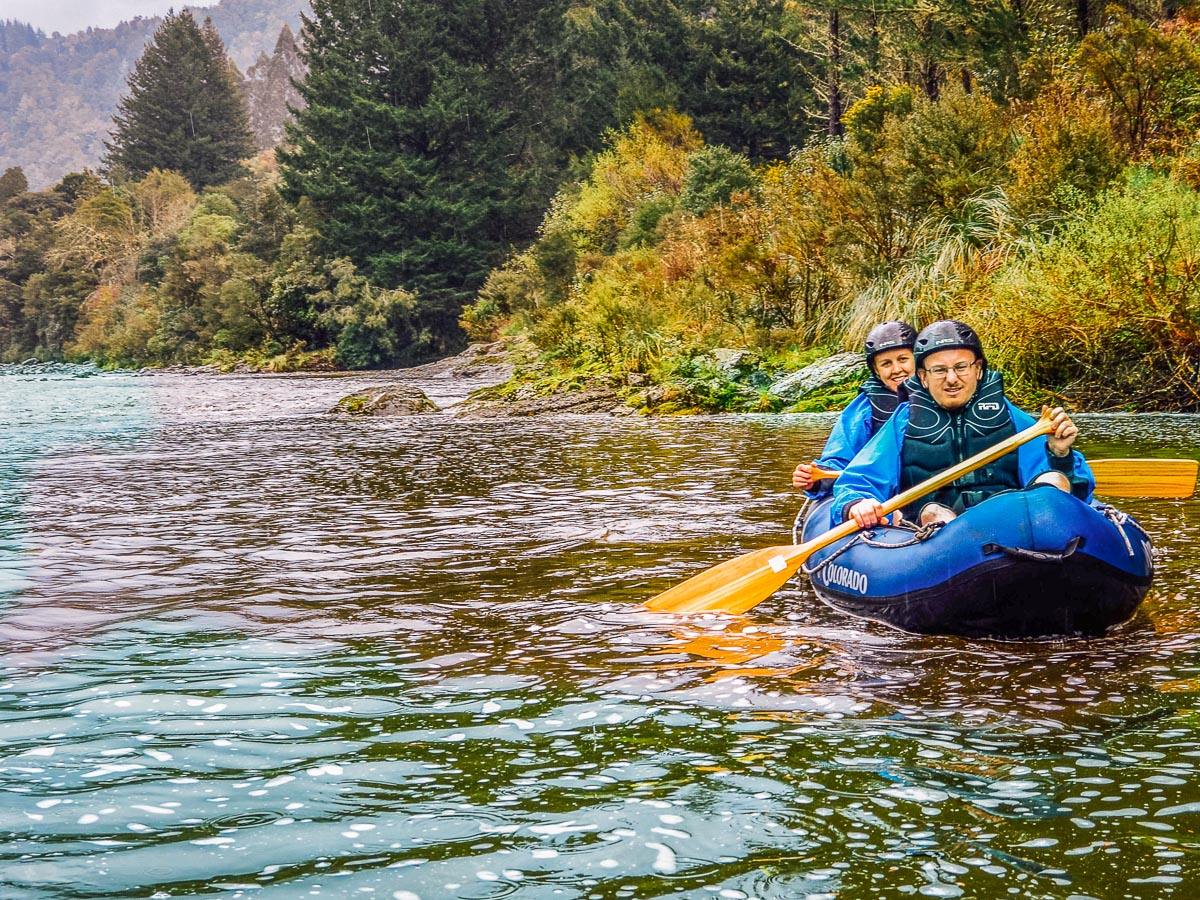 Couple kayaking the Pelorus river in Marlborough