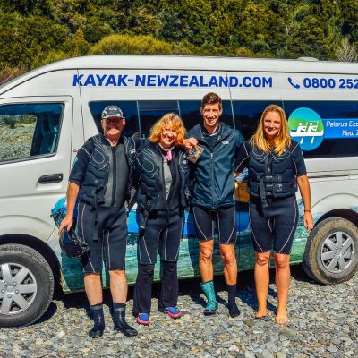 Group at the Pelorus coach