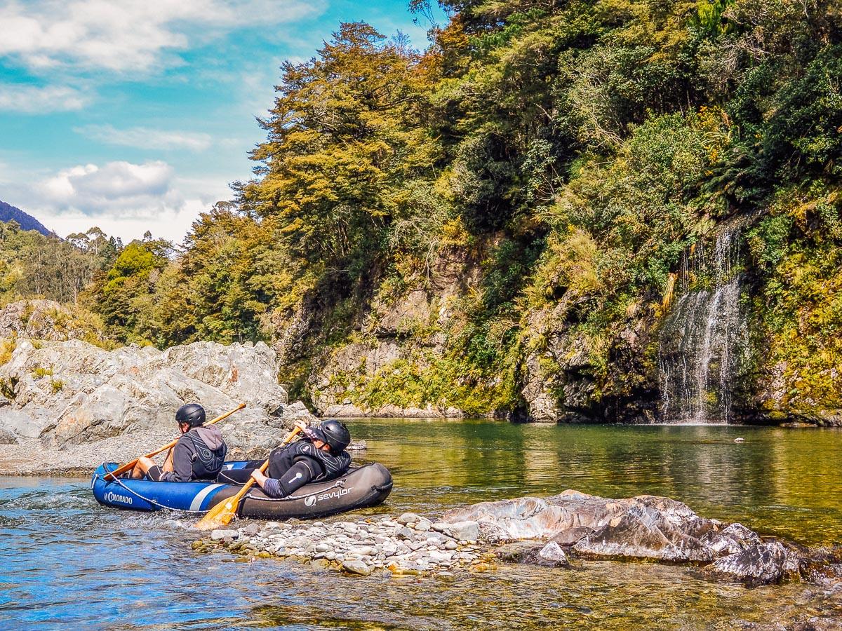 Kayaking the beautiful Pelorus river NZ