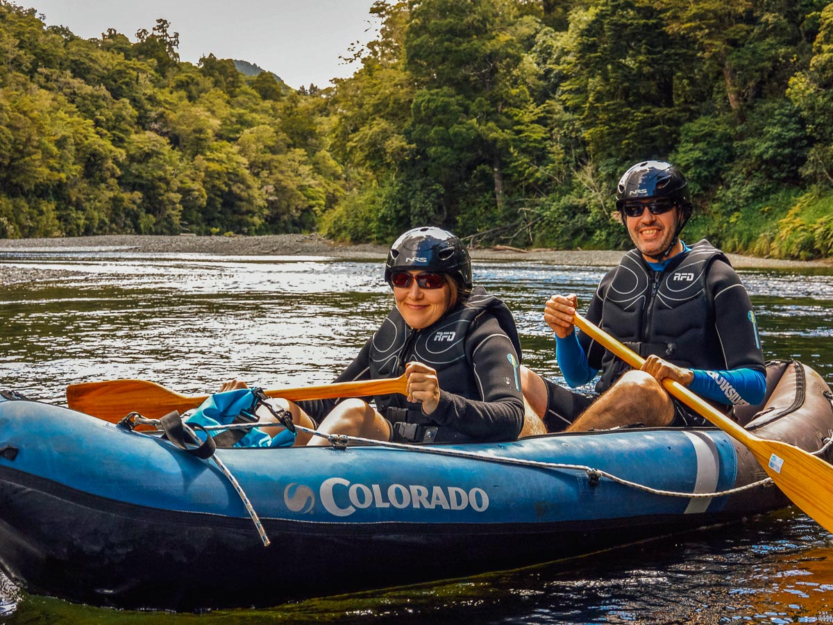 Couple experiencing our Hobbit kayak tour
