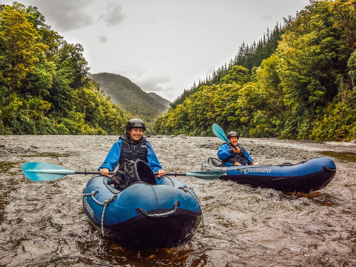 Couple kayaking in Marlborough