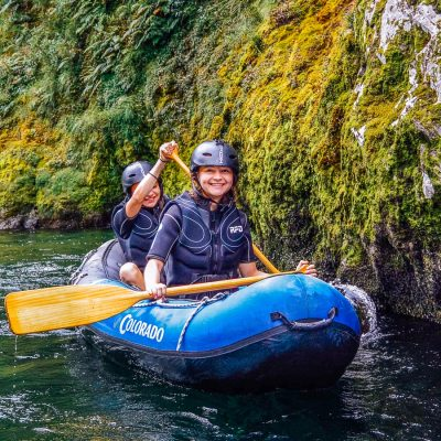 Children kayaking the Pelorus river