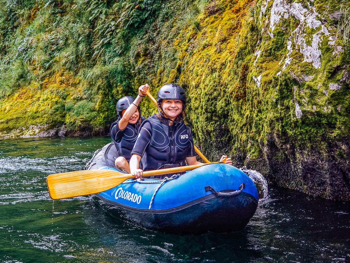Children kayaking the Pelorus river