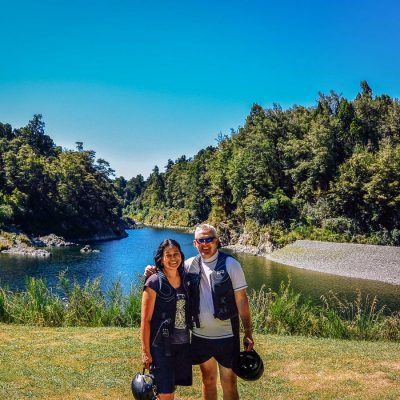 Couple at the Pelorus river, Havelock NZ