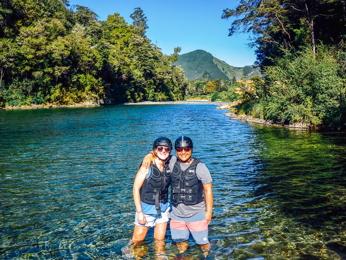 Couple at the Pelorus river, New Zealand