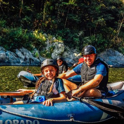 Dad and daughter kayaking at the Pelorus river