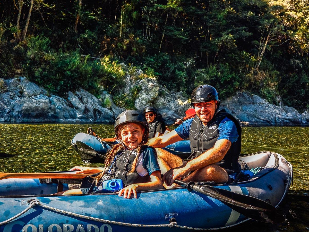Dad and daughter kayaking at the Pelorus river