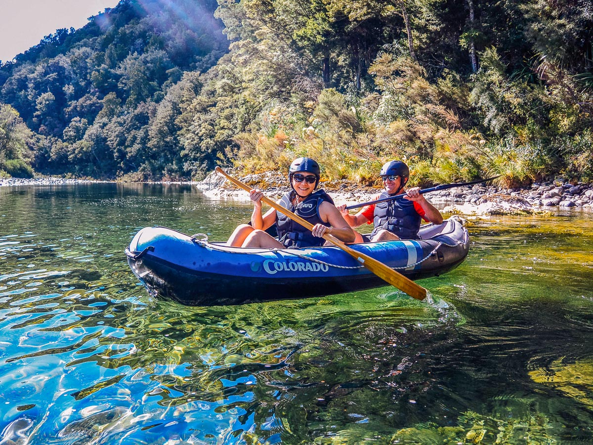 Kayak couple at the Pelorus river, Havelock