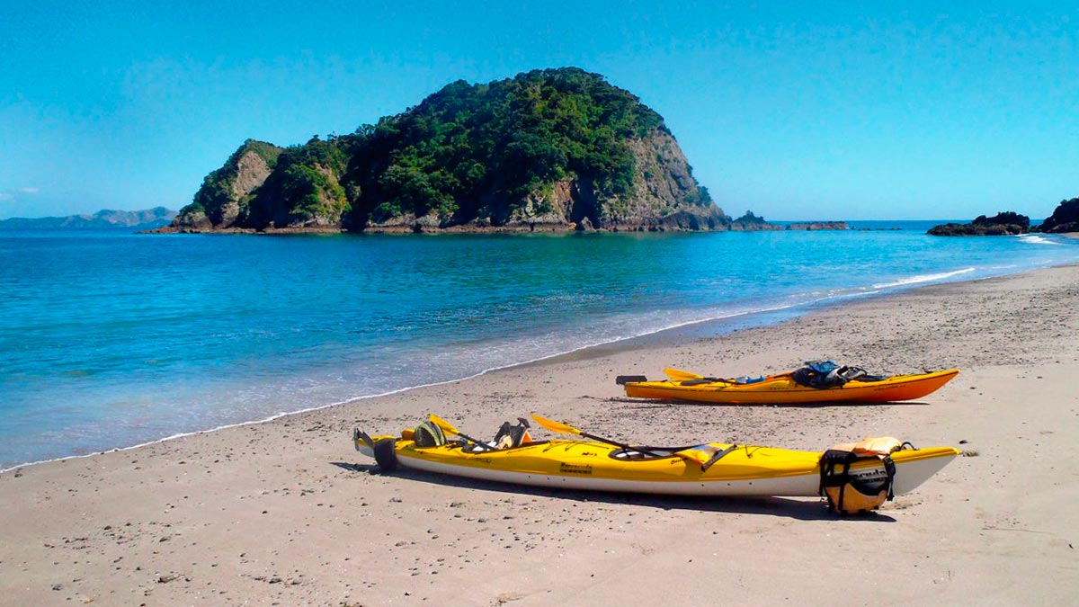 Luxury Kayaking Tour at Bay of Islands, NZ