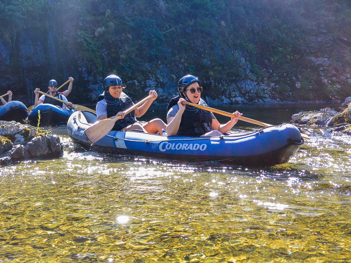 Friends kayaking in Havelock, Marlborough