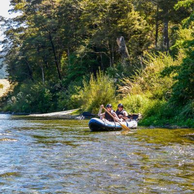 Friends kayaking in Marlborough, New Zealand