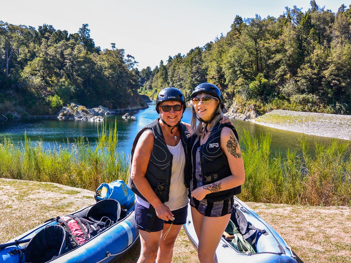 Mum and Daughter at the Pelorus river, Marlborough New Zealand
