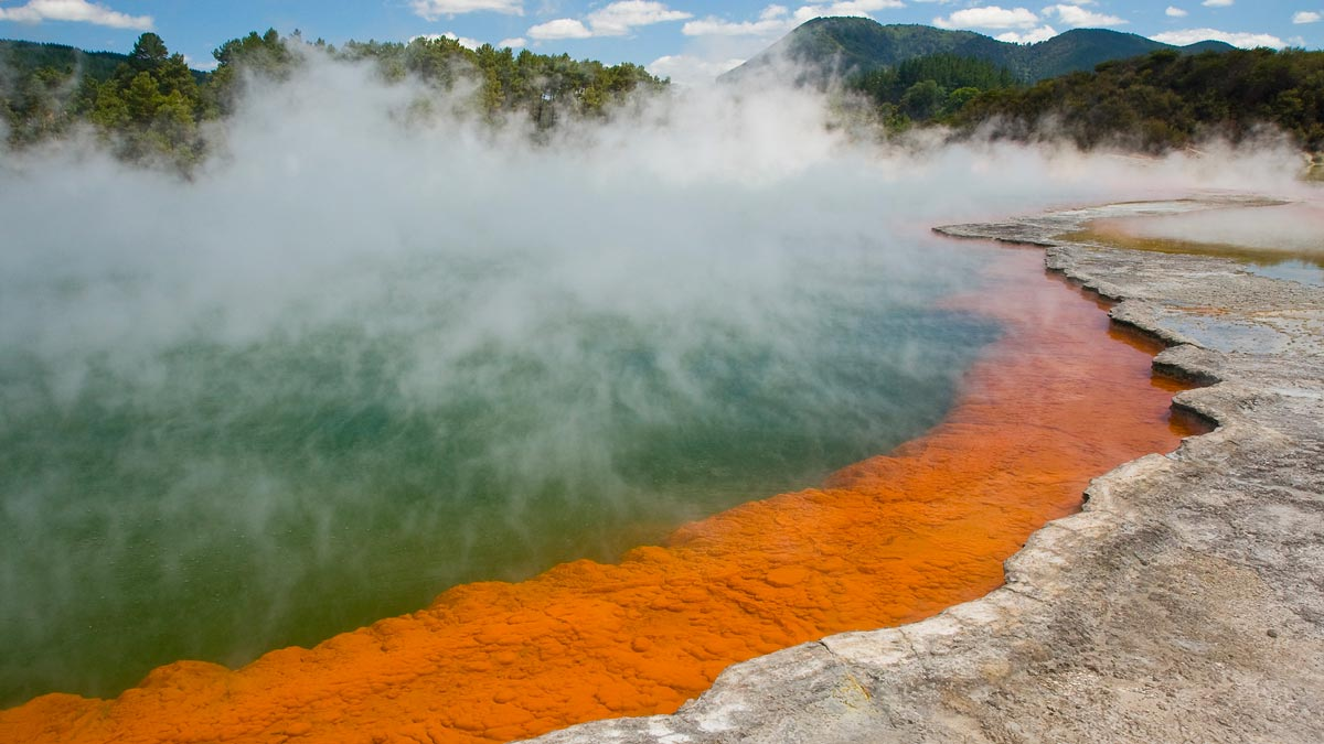 Things to do in New Zealand North Island Wai-o-Tapu