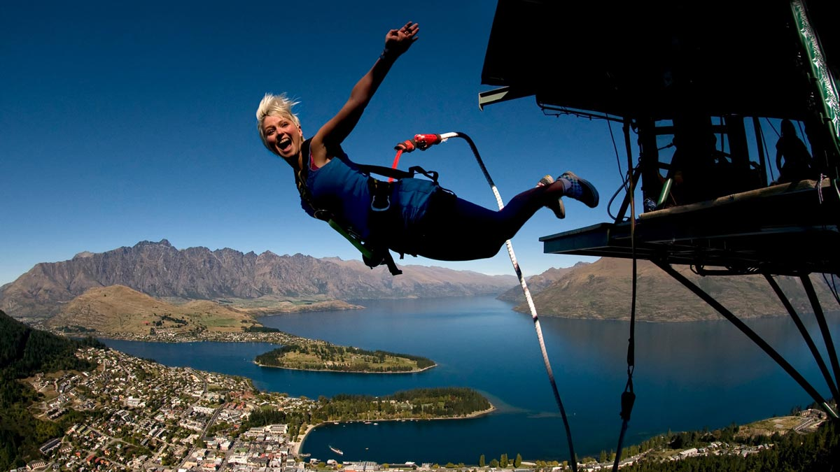 NZ North vs South Island - Bungy Jump