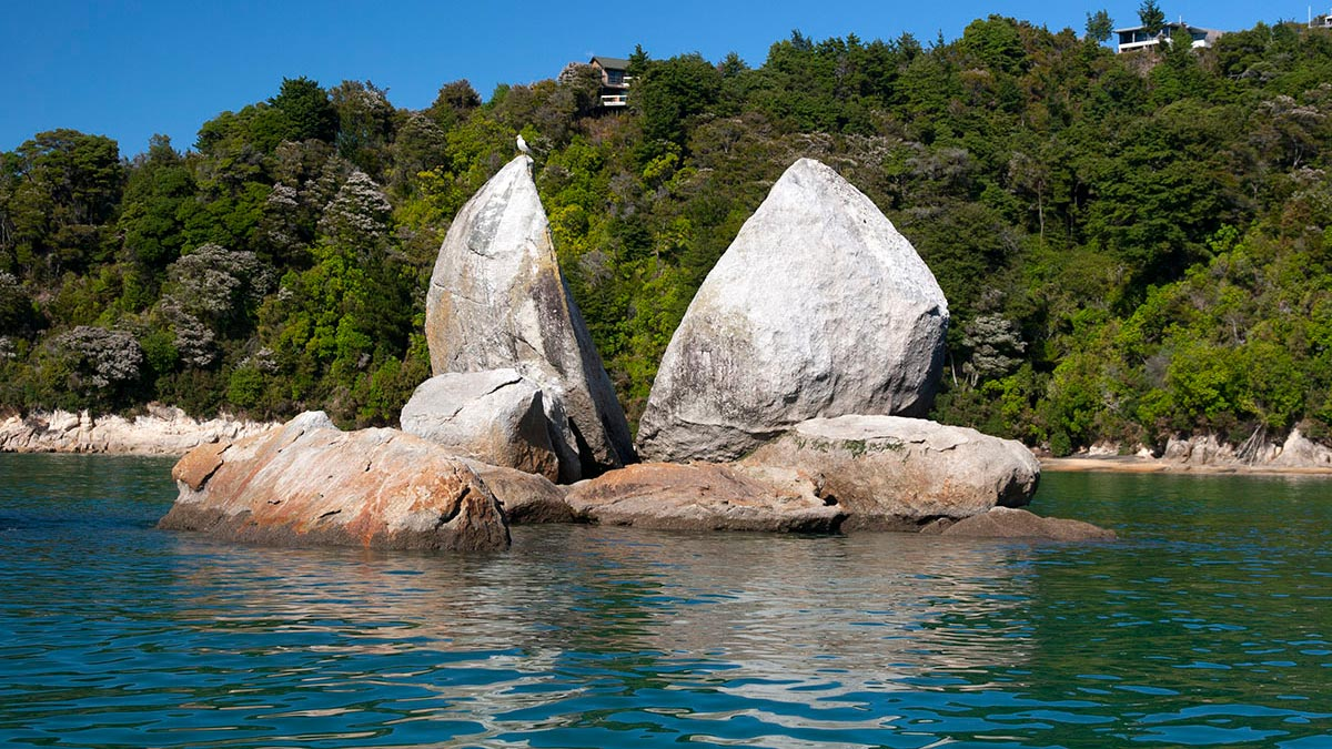 Abel Tasman Split Apple Rock