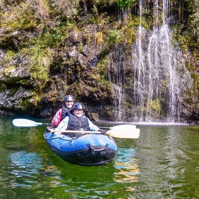 Ladies kayaking at the Pelorus river