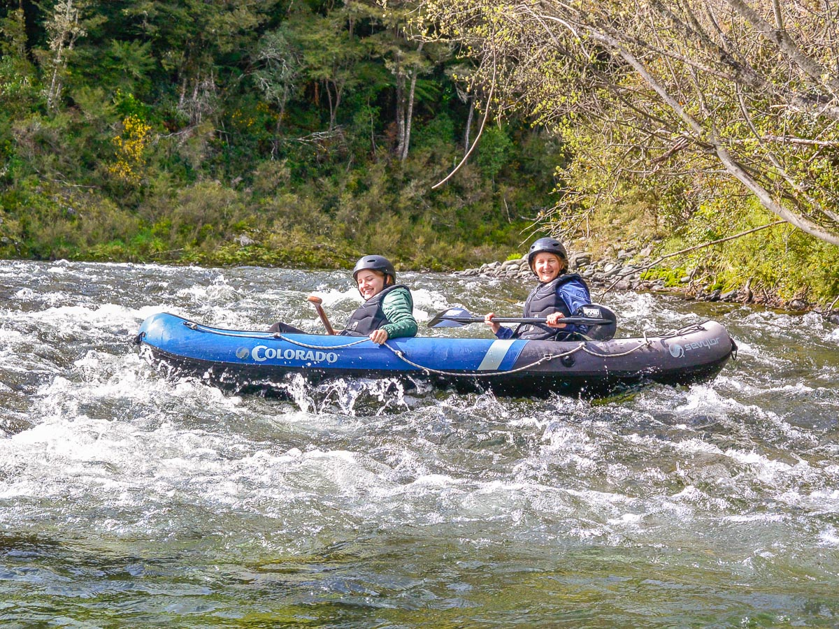 Mum and daughter kayaking in New Zealand
